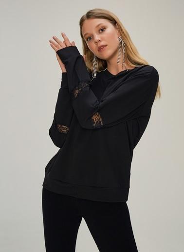 NGSTYLE Kolu Dantel Detaylı Sweatshirt Siyah